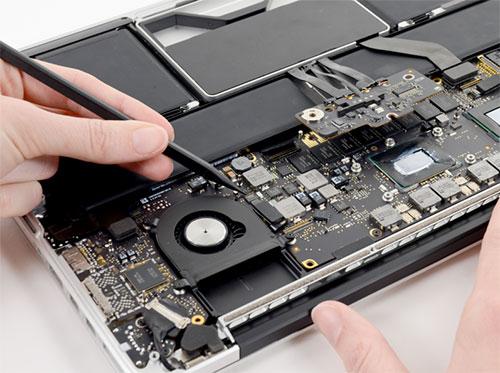 Macbook Liquid Spill Cleanup
